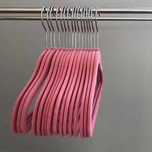 💃🏼2/$45 16 kids velvet hangers